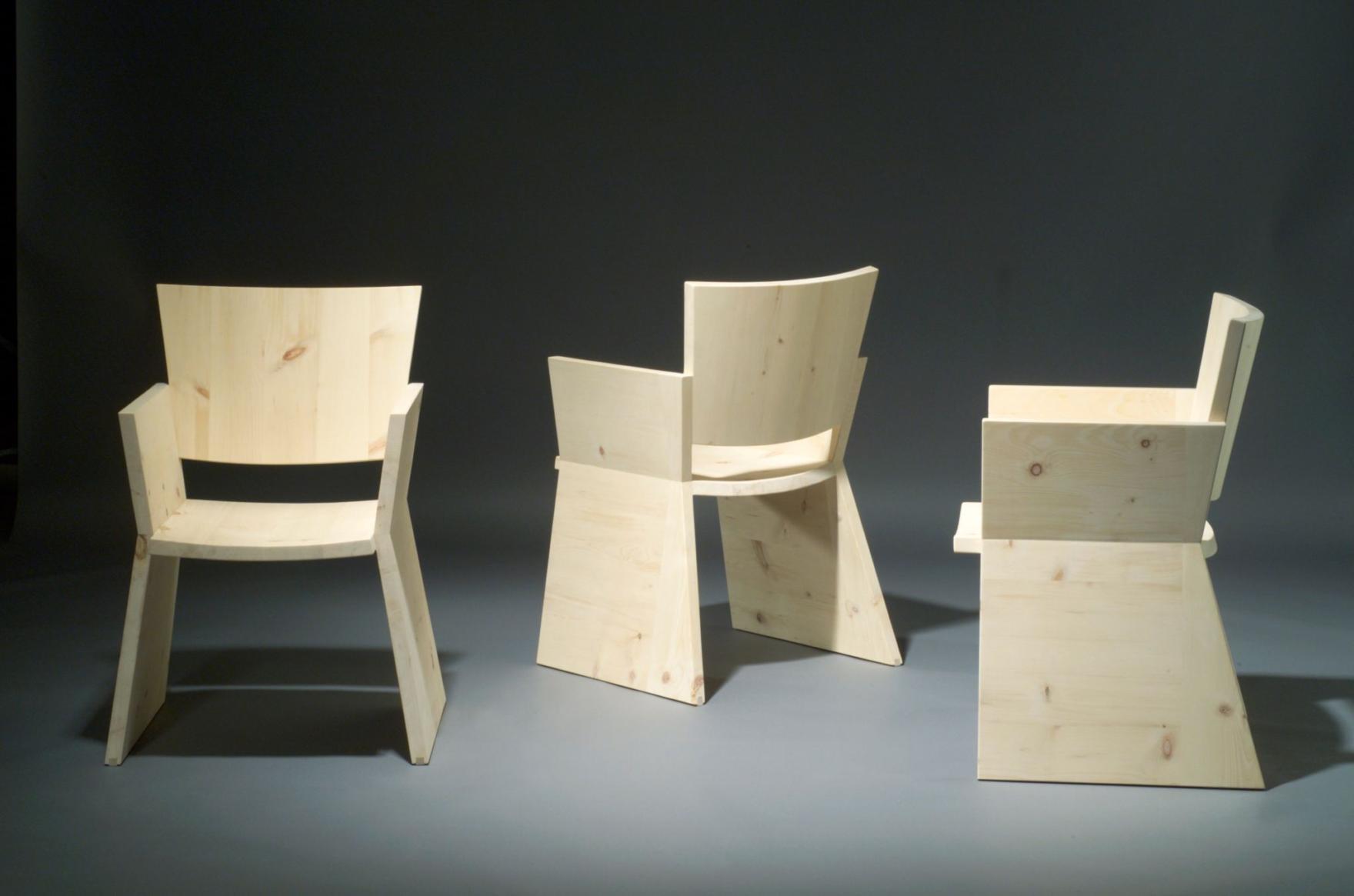 stuhl-sezun-2001-foto-stefan-rohner