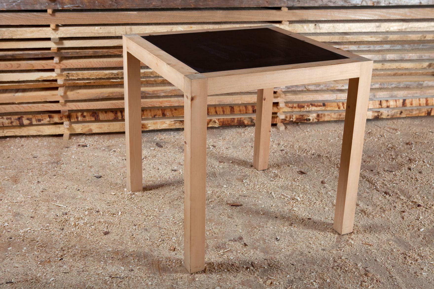 Tisch curuna